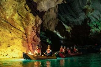 Khám phá 4.500m chiều sâu bí ẩn Động Phong Nha bằng thuyền kayak – Ở trong động an toàn hơn ở trên mạng